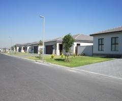 Brackenfell Burgundy Estate - Maasdam Weg (3).jpg